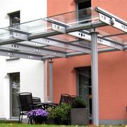 Glasüberdachung im Garten